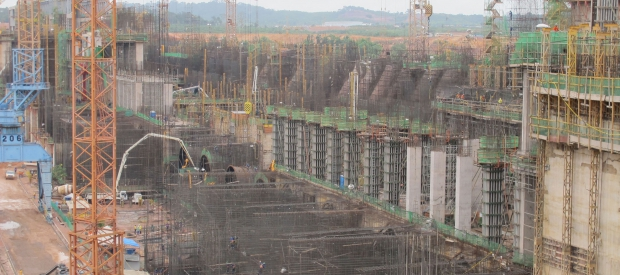 The Jirau dam under construction. In 2010, Camargo Corrêa and other construction companies were charged with holding workers in conditions analogous to slavery at the construction sites for the Jirau and Santo Antônio hydroelectric dams on the Amazon's Madeira River. Photo courtesy of International Rivers.