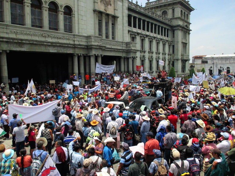 Protesters demonstrate against government corruption outside the National Palace in Guatemala City on May 20. Photo by Sandra Cuffe.