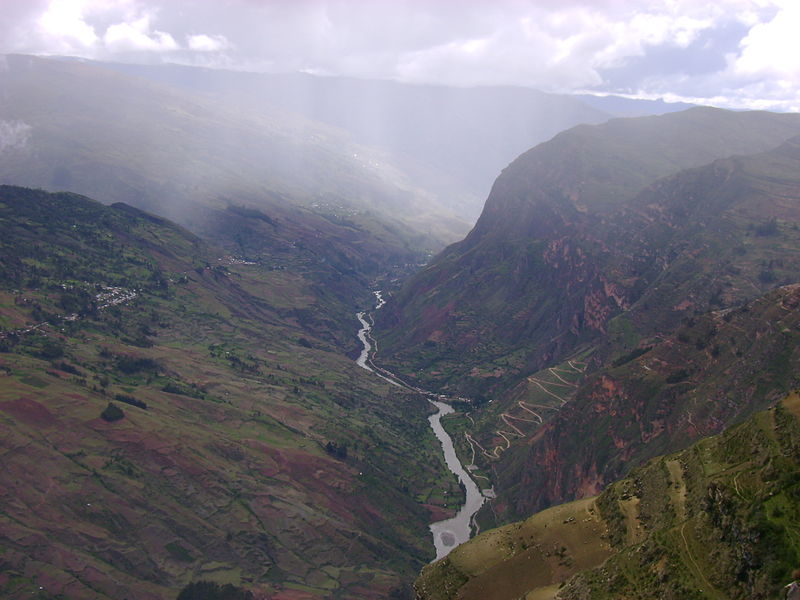Twenty dams planned for Peru's now free-flowing 1,056-mile Marañón River would trap massive amounts of sediment and nutrients in reservoir, preventing them from reaching the Amazon River. Photo by Gato Montes licensed under the Creative Commons Attribution-Share Alike 3.0 Unported license.