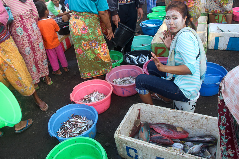 A fish seller at Tanjung Luar port, Lombok. Photo credit: Melati Kaye.