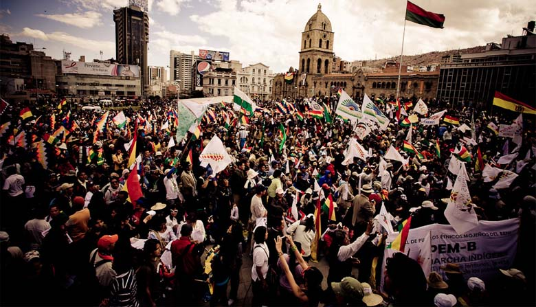 TIPNIS marchers in La Paz, 2011. Photo credit: Szymon Kochański Attribution-NonCommercial-NoDerivs 2.0 Generic via Wikimedia Commons.