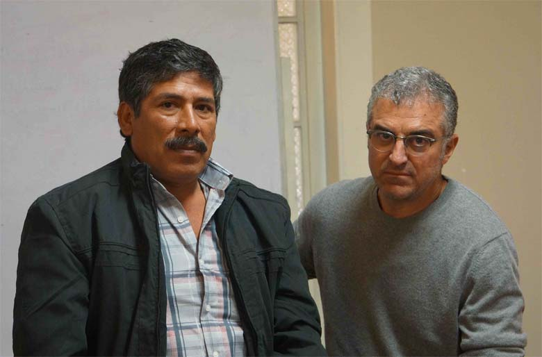Opposition leader, Jesus Cornejo, with the reporter. Photo by Enrique Ortiz.