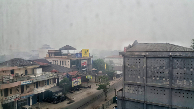 A thick haze has settled on Palangkaraya, the capital of Central Kalimantan. The Indonesian province is one of the worst hit by a severe outbreak of smoky haze due to fires in the country. Photo by Jenito