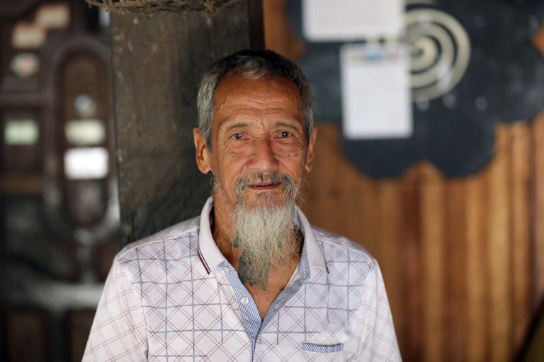 Sungai Utik elder Bandi in 2019. Photo by Rhett A. Butler.