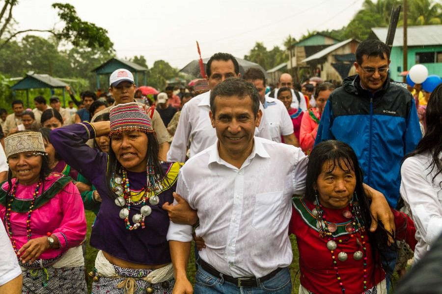 Peru's president Ollanta Humala on his way to sign the official declaration of Sierra del Divisor National Park in Pucallpa on Sunday. Photo by Candy Vilela/CEDIA.