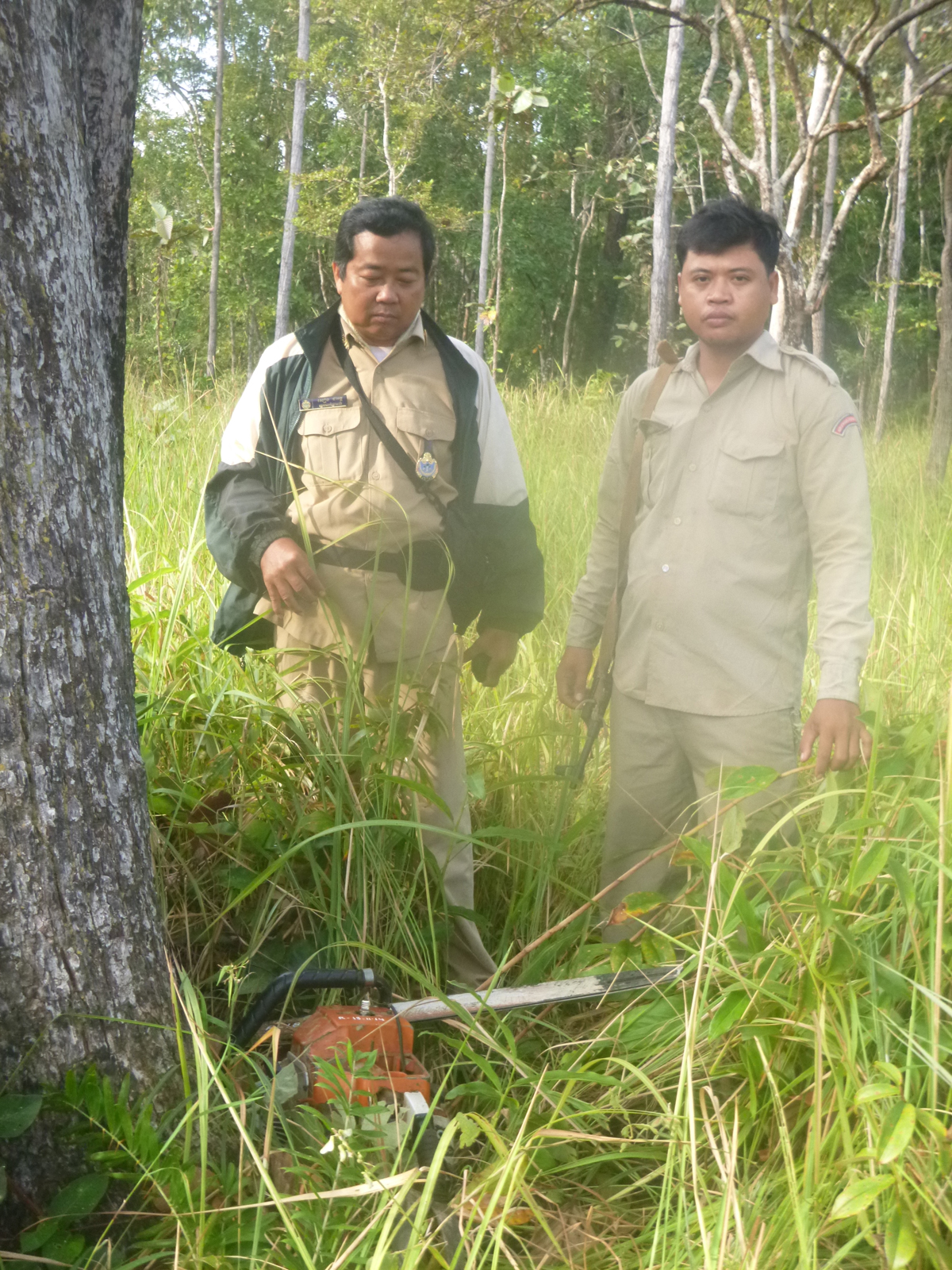 Sieng Darong FA Patrol Leader and Sab Yoh District Police patrol member