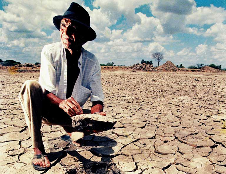 Intensifying drought in the Amazon and northeast Brazil brought by climate change could be a disaster for hydropower and agriculture within the next 25 years. Photo by LeoNunes licensed under the Creative Commons Attribution-Share Alike 3.0 Unported license