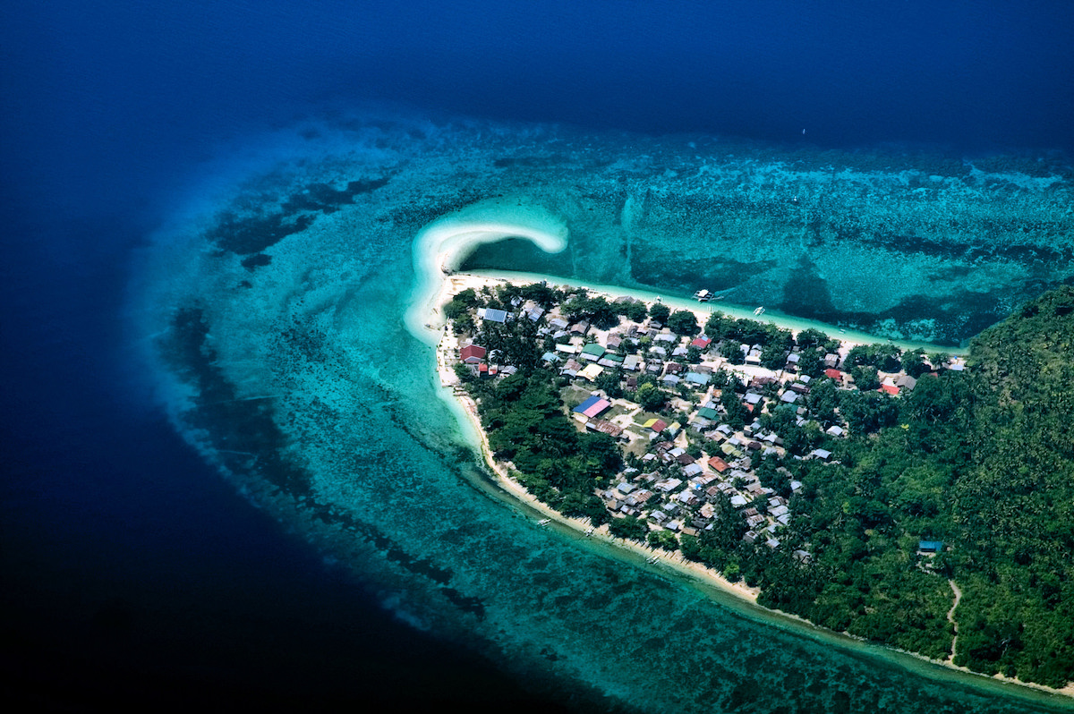 A town in Cebu, the Philippines. Photo by Junho Lee/Flickr.