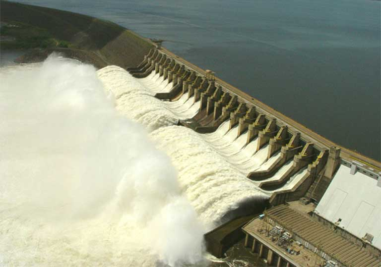 The Tucuruí dam was built in the 1980s, and is one of the largest in the world, with a maximum generating capacity of 8,370 megawatts. More than 400 dams are in operation, being built, or in the planning stages across the Amazon, with consequences for biodiversity and rainfall patterns throughout the region. Photo courtesy of International Rivers on flickr