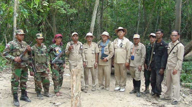 Two law enforcement patrol teams in the Preah Prey Roka Forest, a proposed protected area, in the Northern Plains region. Patrols use SMART to record their observations and to plan effective monitoring activities based on their observations. Photo courtesy of Tan Setha (WCS).