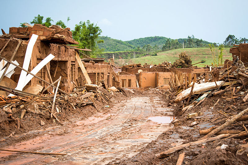 Some of the horrific damage done by the Samarco tailings dam collapse. Photo by Romerito Pontes from São Carlos licensed under the Creative Commons Attribution 2.0 Generic license.