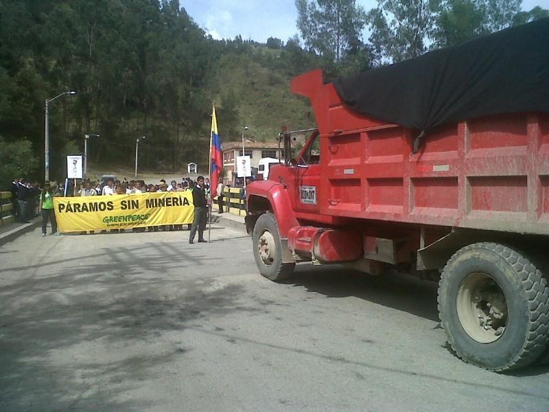 Protestas en contra de la explotación minera en los páramos colombianos. Foto cortesía de Greenpeace Colombia.
