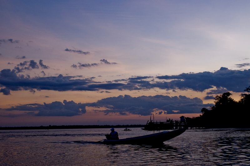 A traditional fisherman heads out at dawn. Photo courtesy of Naiana Thiely.
