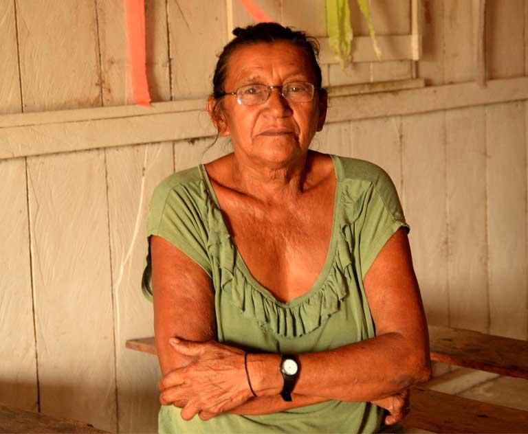 Rosa Cavalcante de Lima, a Xipaya Indian who declares she is not an Indian. Photo by Natalia Guerrero