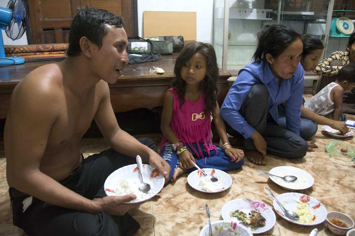 Ven Vorn enjoyed dinner with his family and friends in Koh Kong City shortly after his release from prison. Photo by Rod Harbinson.