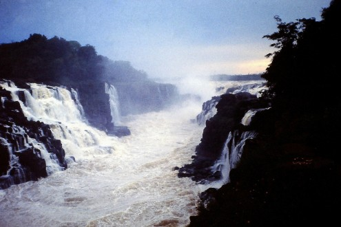 Another wonder of the world, the Guaíra Falls, the world's largest waterfall by volume, was destroyed by the Itaipu dam's reservoir in 1982. The Brazilian government liquidated Guaíra Falls National Park, and dynamited the submerged rock face where the falls had stood in order to build the dam. Photo by Mario Cesar Mendonça Gomes on flickr