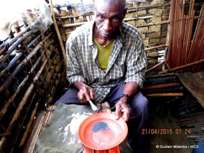 An artisanal miner just outside Kahuzi-Biega Nationa Park. Photo courtesy of Andrew Kirkby / WCS.
