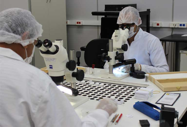Research in the Evandro Chagas Institute's entomology laboratory (arbovirology and hemorrhagic fevers section) where viruses such as Zika are isolated. Photo by Kelvin Souza – ASCOM/IEC