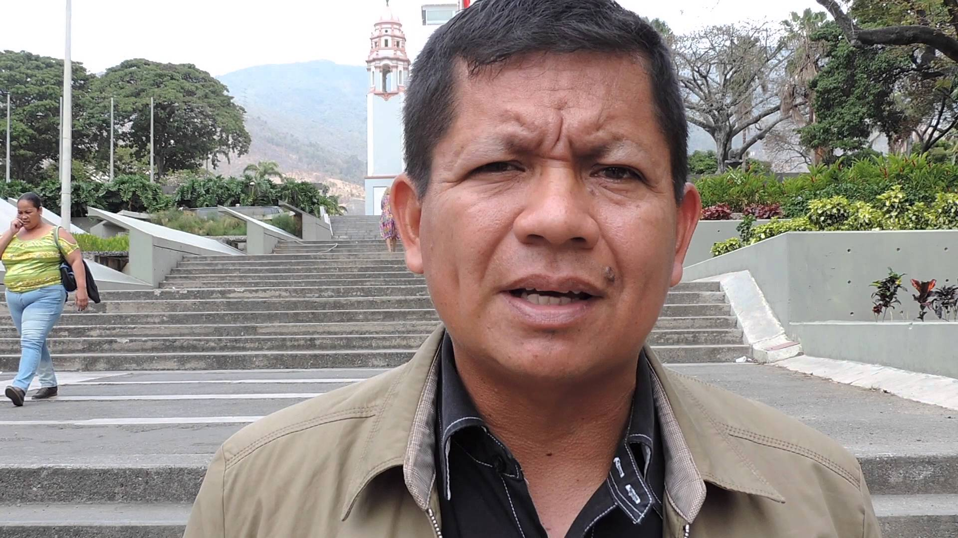 Gregorio Mirabal, coordinator of ORPIA, a network of indigenous organizations in Venezuela, is opposed to the Orinoco Mining Arc. Its member organizations believe that the plan would have a huge negative impact on indigenous people. Youtube capture