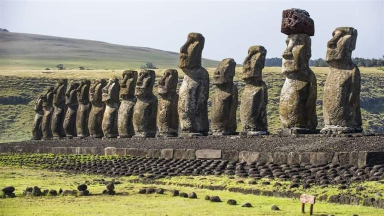 the-waters-around-easter-island-are-home-to-a-thriving-ecosystem