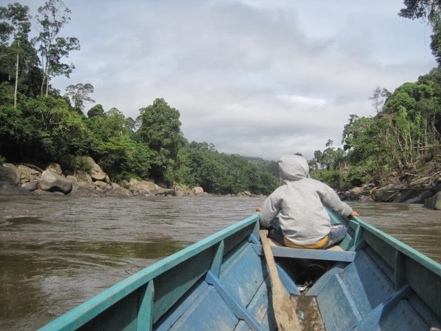 Traveling toward Long Pelban in the upper reaches of the Kayan River. Photo courtesy of Raga Candradimuka.