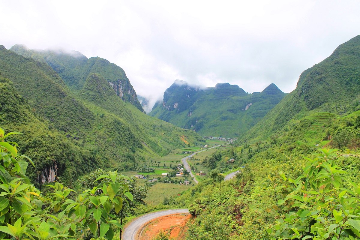 A small village nestled in the Ha Giang province in Vietnam near the border with China. Photo by Michael Tatarski for Mongabay.