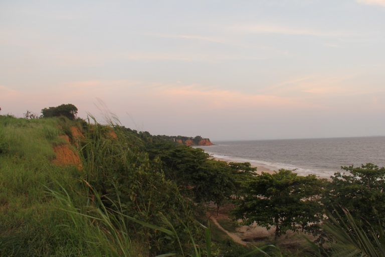 The coast of DRC. Photo by William Clowes for Mongabay.