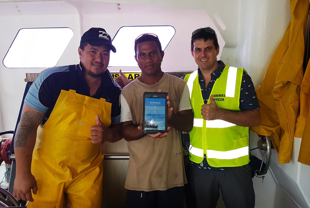 Cook Islands tuna fishing captains and SPC trainer during a training for the use of the OnBoard E-Reporting app.