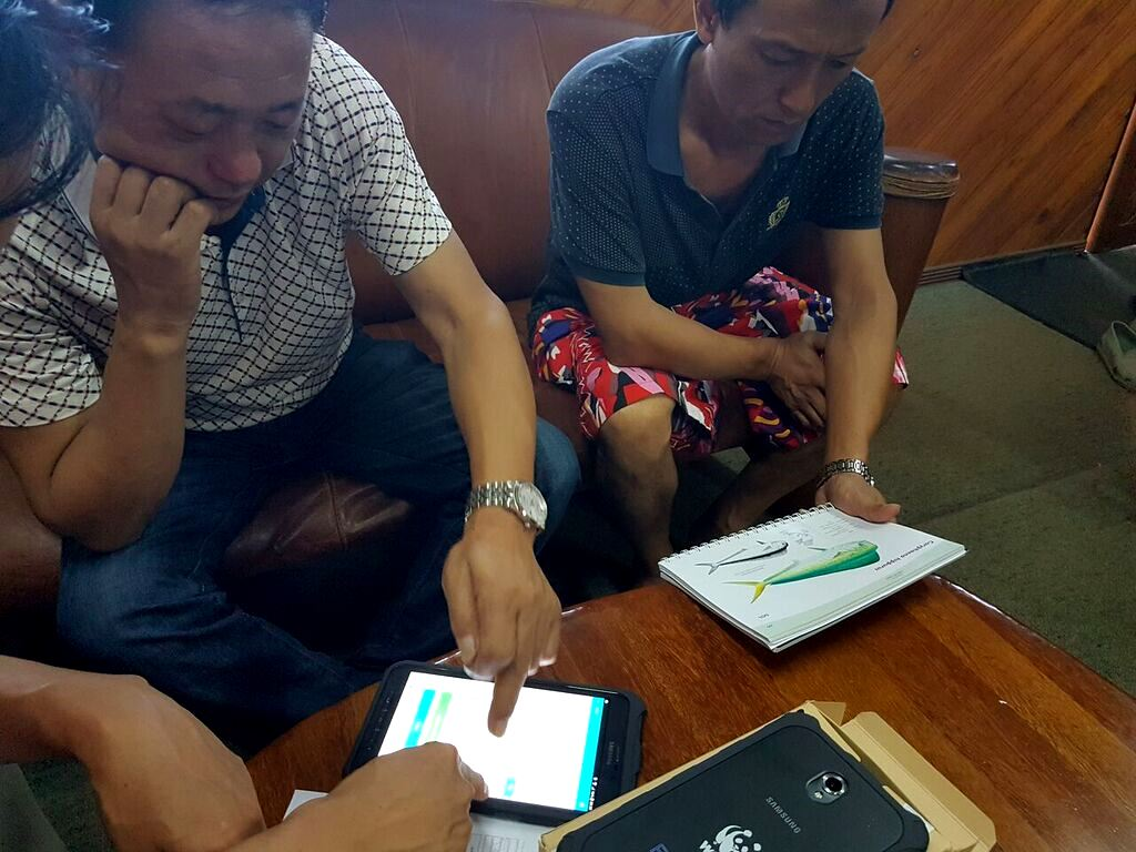 Training for longline vessel captains in the use of the OnBoard E-Reporting app in the Fiji Islands.