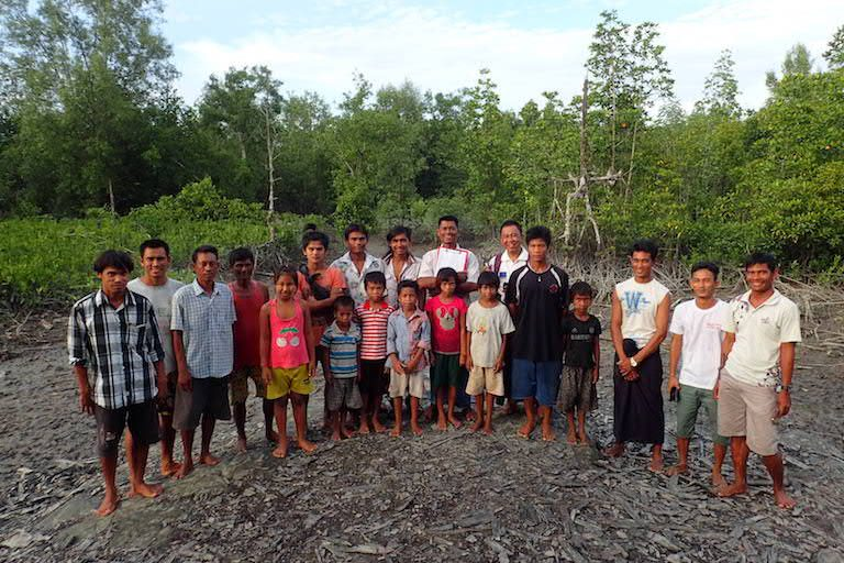 A mangrove forest community in Myeik. Conservationists are assisting villagers in a number of communities along the southern Tanintharyi coast to gain the skills and rights to manage their own mangroves sustainably, under government community forestry certificates. Photo by Mark Grindley/FFI.