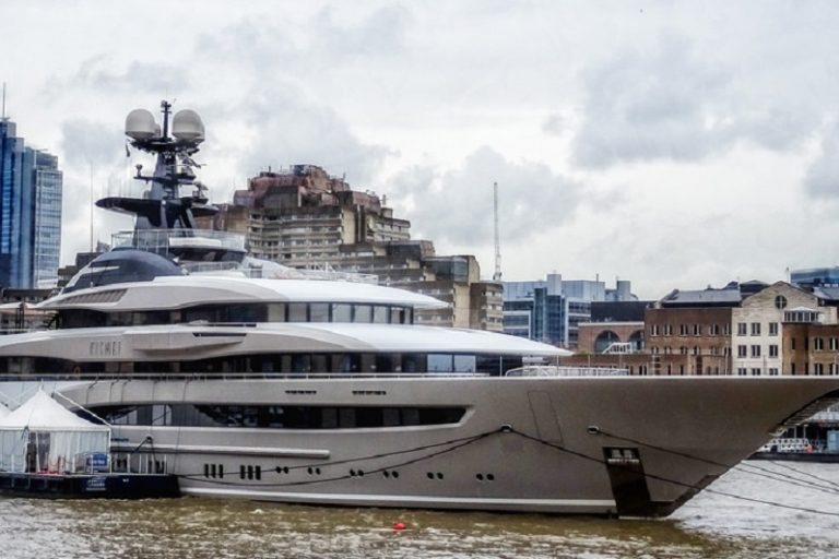 A yacht on the River Thames in London. Photo by Gary Knight via Flickr.