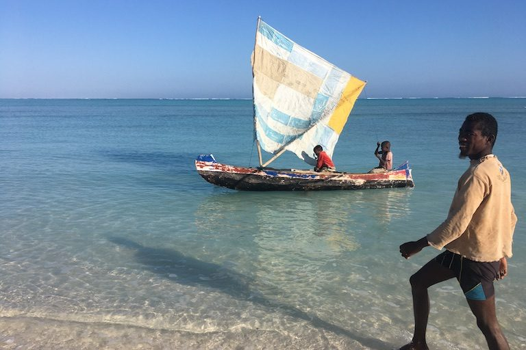 Local fishers in the fishing town of Beheloke in southwestern Madagascar. Photo by Rowan Moore Gerety for Mongabay.