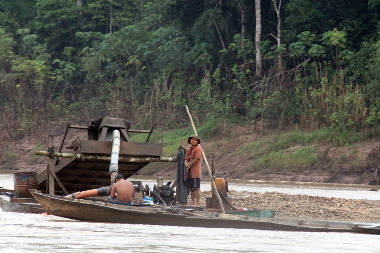 Dredger used for illegal mining in the Tambopata Nation Reserve in the Madre de Dios region. Photo by Rhett Butler for Mongabay.