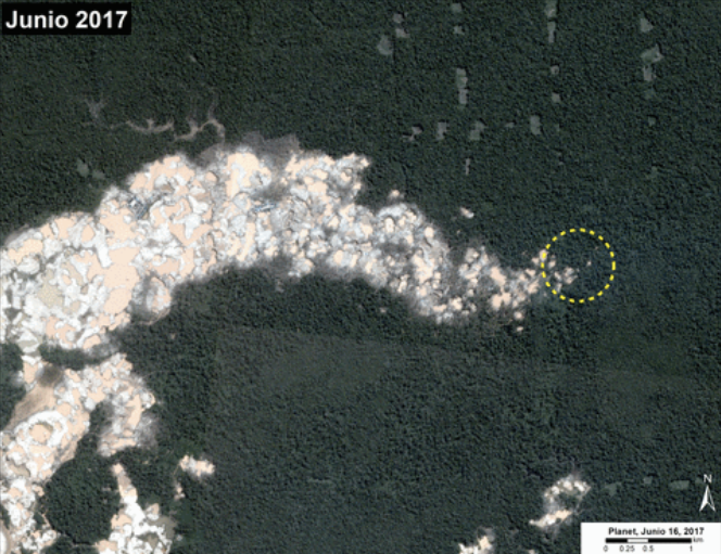 MMAP satellite images show deforestation in La Pampa, in Madre de Dios. Image via MAAP/Planet.