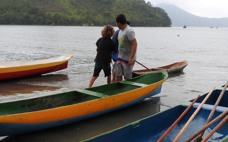 The traditional Caiçara canoe is in the process of becoming part of the Intangible Cultural Heritage of Brazilian culture. But building the canoes is becoming increasingly difficult due to bureaucratic setbacks to obtain the wood. Courtesty personal collection of Mario Gato and Ana Carolina Barbosa.