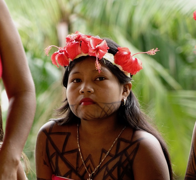 A young Embera woman from Bajo Lepe. Image courtesy of the Rainforest Foundation.