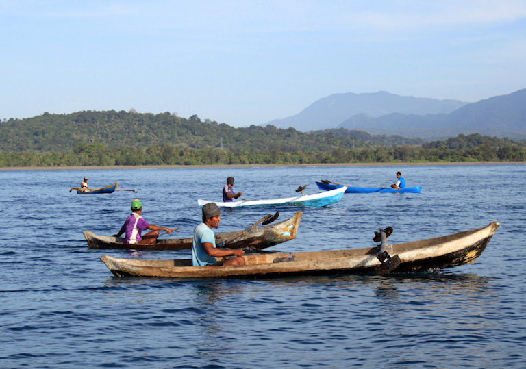 Canoe fishers in the district of Viqueque, Timor-Leste. Image by Alex Tilley/WorldFish.