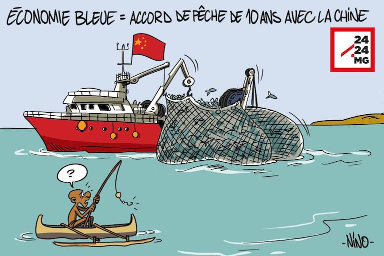 "A cartoon that ran on the Malagasy news site 2424.mg. The caption reads ""Blue Economy = 10-year fishing deal with China."" Image courtesy of 2424.mg."