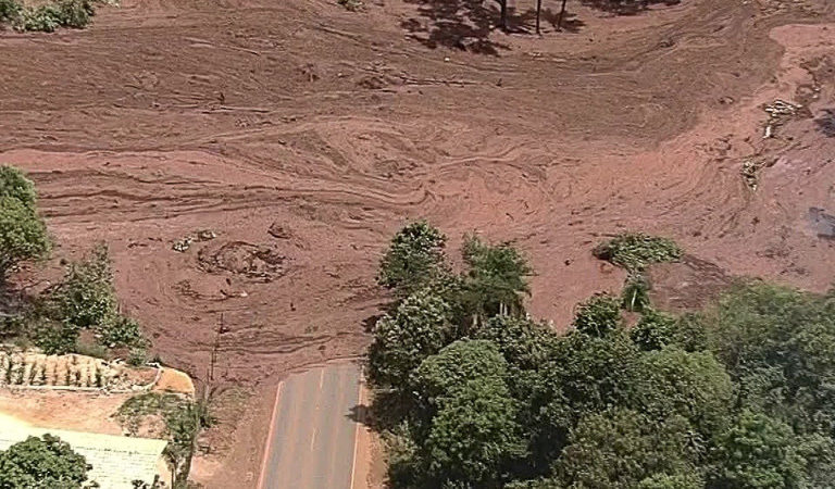 The mudslide near Brumadinho via Flickr (CC BY-NC 2.0).