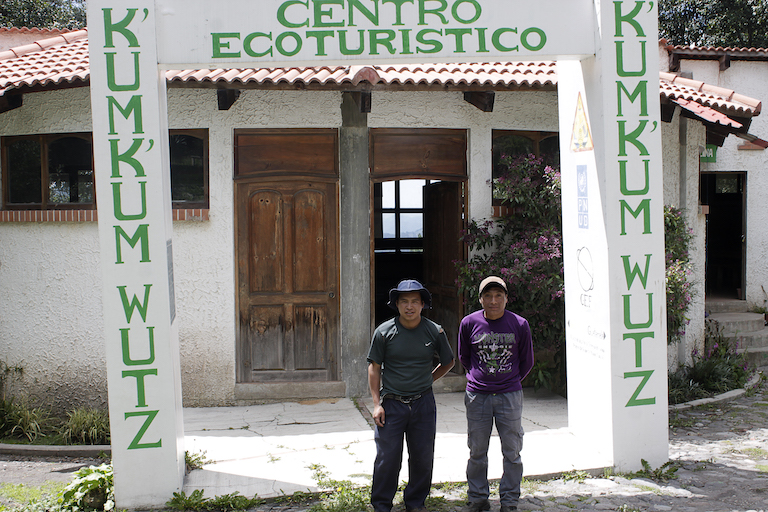 Santos Hernández (left) and Adonias Tomás, Kum Kum Wutz park's two municipal tour guides, who educate tourists on the spiritual and practical importance of the protected area to the Maya inhabitants of Concepción Chiquirichapa. Image by Jorge Rodríguez for Mongabay.