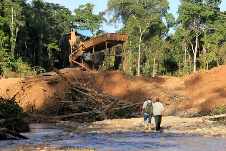 In Alto Malinowski, illegal mining is creeping toward Bahuaja-Sonene National Park. Image by Vanessa Romo.