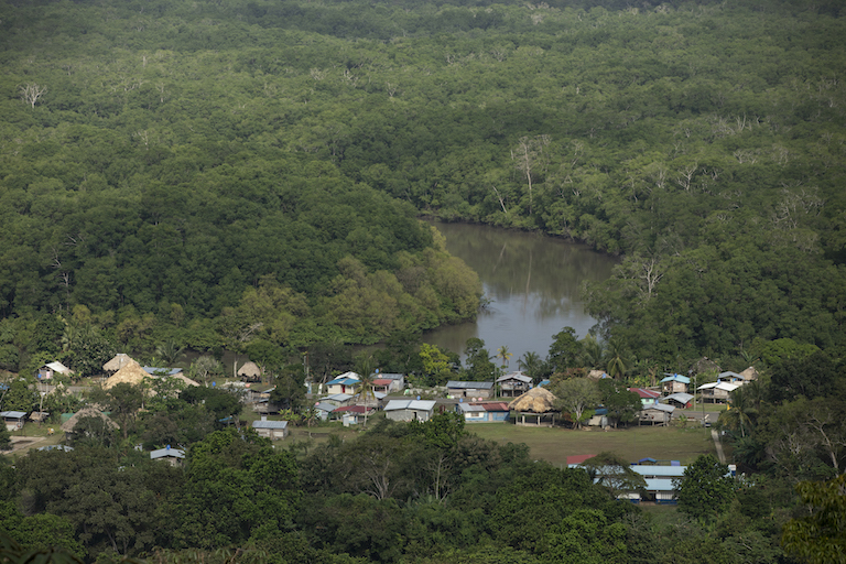The town of Puerto Lara in the Darién Gap. Image by Alexander Arosemena for Mongabay.
