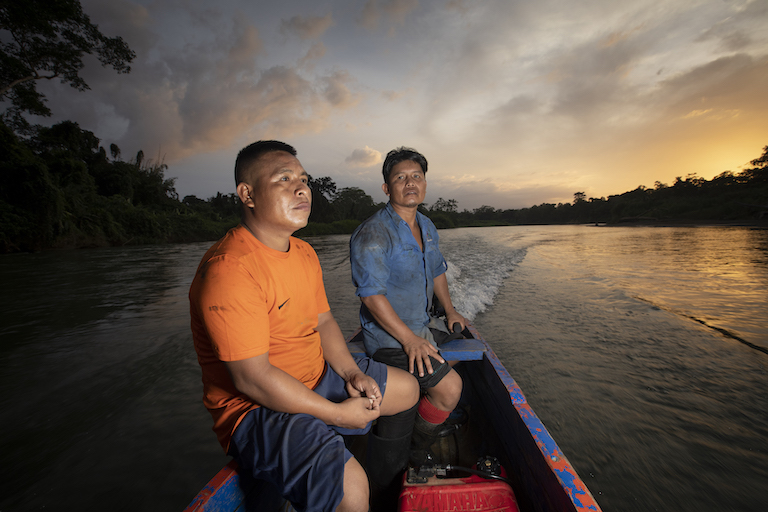 Mappers from Puerto Indio navigate the rivers of the Darién to digitize the boundaries of their community's territory. Image by Alexander Arosemena for Mongabay.