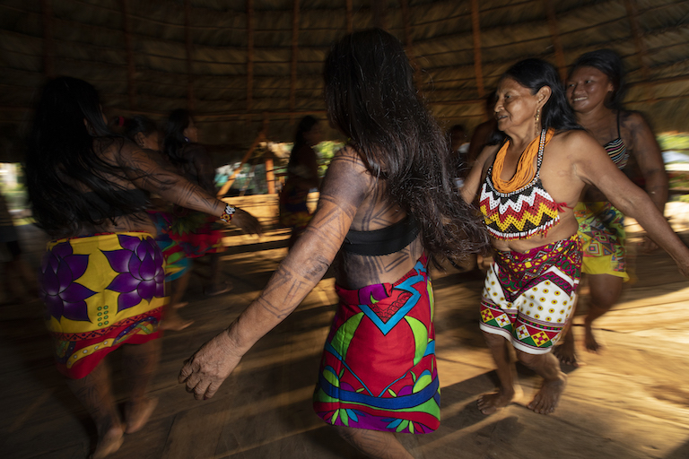Wounaan dancers perform a traditional dance based on the movements of native birds. Image by Alexander Arosemena for Mongabay.