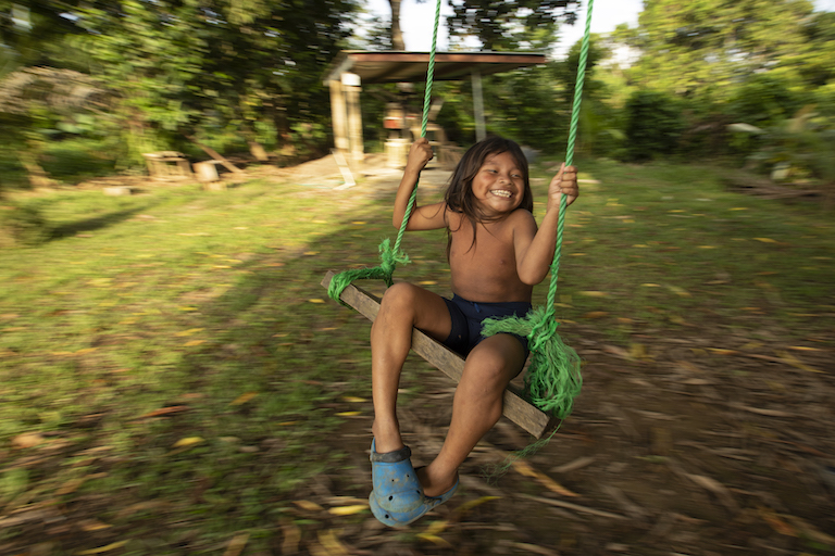 A child in the community of Puerto Indio. Image by Alexander Arosemena for Mongabay.