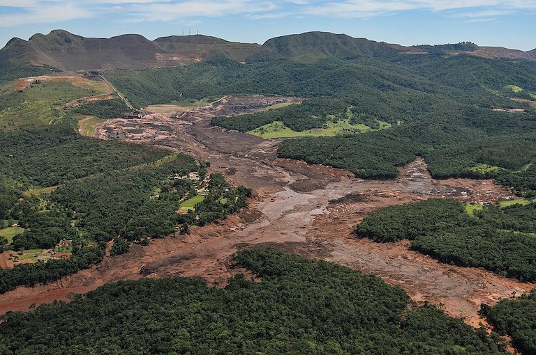 The aftermath of a mine-waste dam collapse that killed 244 people near the town of Brumadinho, Brazil, in January of this year. Image by Felipe Werneck/Ibama via Wikimedia Commons (CC BY-SA 2.0).