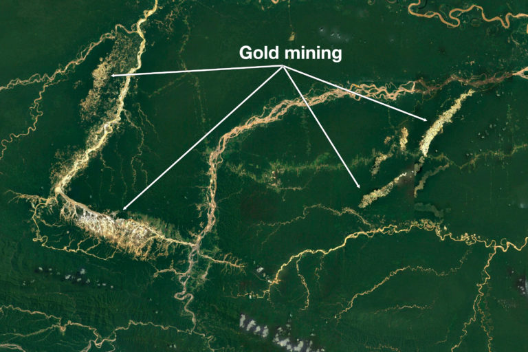 Google Earth image (Landscat / Copernicus) showing gold mining southeast of Manu National Park