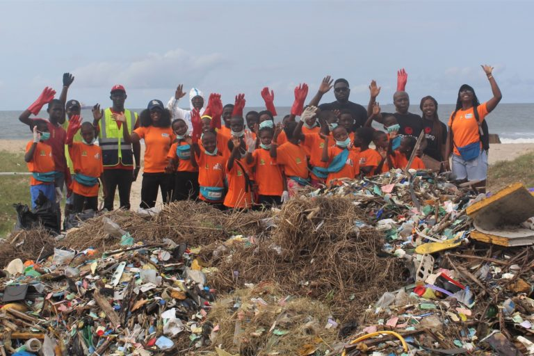 Beach clean-ups, community visits, and compensation to fishers build environmental awareness in Nigeria - Mongabay.com