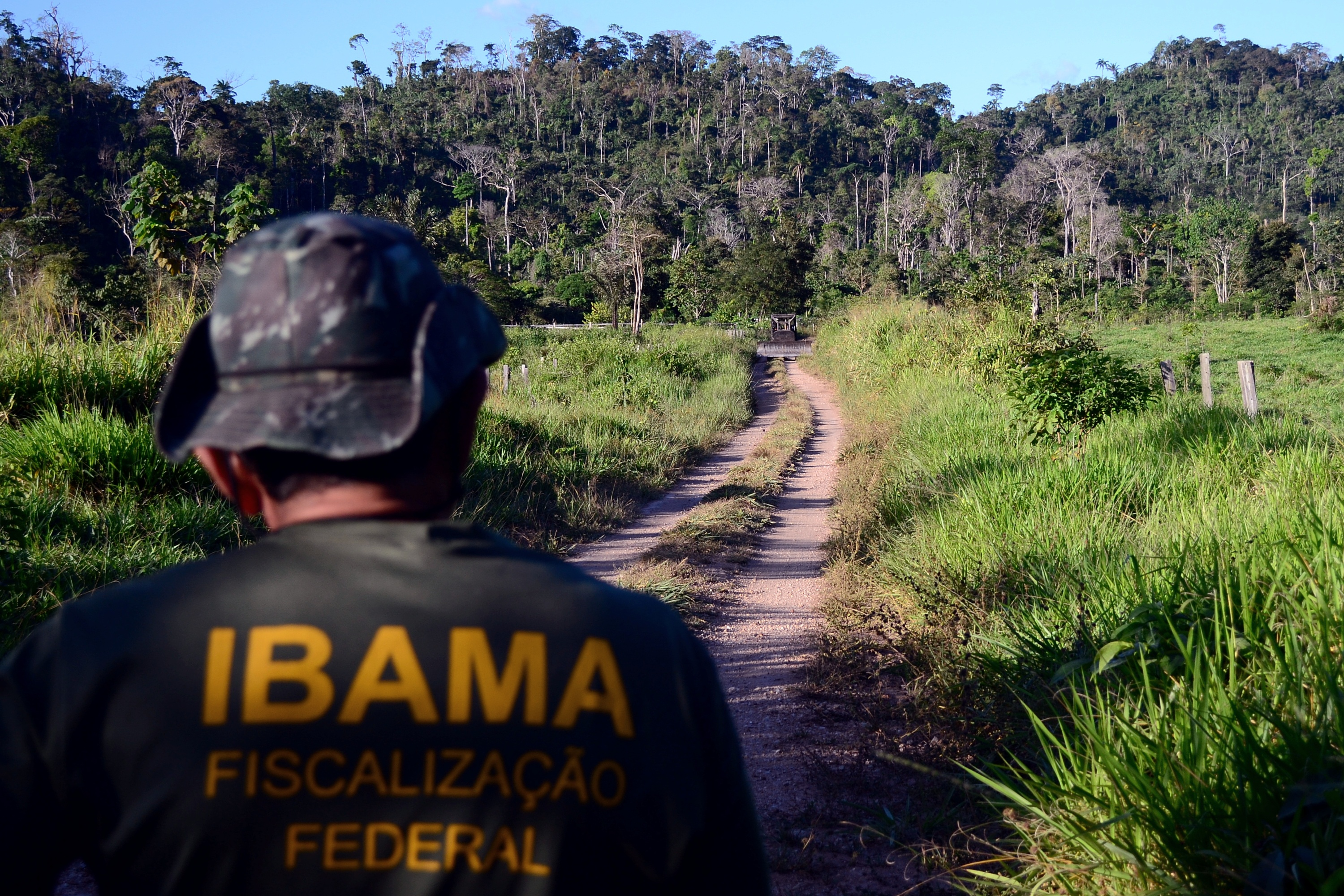 President Jair Bolsonaro has been criticized for dismantling IBAMA, Brazil's environment agency. In this photo IBAMA agents remove deforestation machinery from the forest. Image by Vinícius Mendonça/Ibama [CC BY 2.0.]