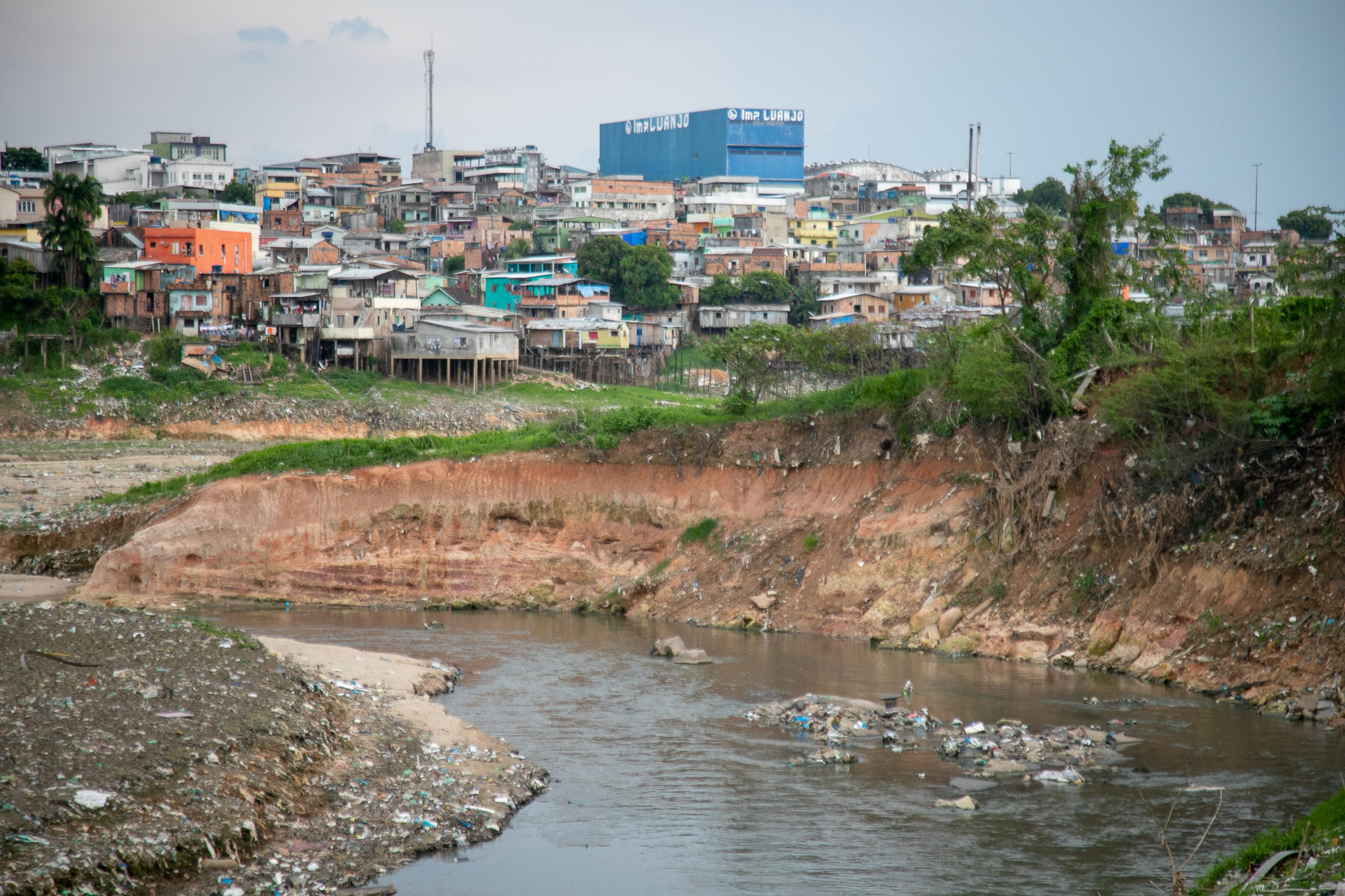 Overview of Educandos River, in the Southern area of Manaus. Image by César Nogueira.